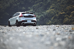 玩沙 (M.K. Design) Tags: taiwan volvo volvocars volvocarstaiwan volvoforlife cars volvov40 v40 v40crosscountry v40cc crossover hatchback stance modified kw apracing erst beach sunshine river offroad madeinsweden 台灣 秘境 沙灘 礫石灘 富豪 瑞典國寶 掀背車 跨界 nikon z6 mirrorless mirrorlesscamera 105mmf14e bokeh tele telephoto 定焦鏡 大光圈 立體感 壓縮感 尼康 無反 無反光鏡相機 改裝 淺景深 散景 旅行 travel life 生活 roadtrip