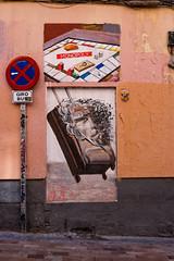 """... """"Gentrificación no es un nombre de mujer"""" ... (Lanpernas .) Tags: monopoly gentrificación elitizaciónresidencial malasaña turismo madrid spain street calle streetart callemadera"""