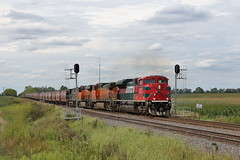 FXE 4075 east in Chana, Illinois on August 25, 2019. (soo6000) Tags: emd sd70ace fxe ferromex chana illinois aurorasub ci grain graintrain gssdcsx8 train railroad freight bnsf fxe4075