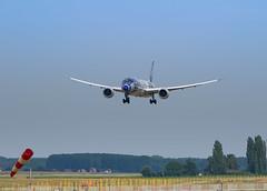 DSC02036 (K.D_aviation) Tags: oneworld qatar starwars aviation airbus airport a330 a319 a321 a320 ana japan airserbia airtransat lufthansa brussels brussel boeing b777 tap iberia hainan canada aireuropa aircanada icelandair