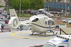 2019.04.23.02 CRETEIL - CHU Henri Mondor - Eurocopter EC-135-T1 (F-GUFB - cn.87) Sté Mont Blanc Hélicoptères - SAMU  . (alainmichot93 (Bonjour à tous - Hello everyone)) Tags: 2019 france europe ue unioneuropéenne frankreich francia frankrijk frança γαλλία франция îledefrance valdemarne creteil chuhenrimondor samu hélicoptère helicopter hubschrauber helicóptero elicottero helikopter ελικόπτερο вертолет eurocopter airbushelicopters eurocopterec135t1 fgufb montblanchélicoptères