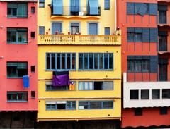 Cases de l'Onyar - Girona (fotomie2009) Tags: girona cases penjades onyar onar casa case pendenti facciata façade finestre windows balcony spain españa catalogna catalunya cataluña catalonha catalonia colours façanes color penjants 30