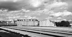 Par-dessus les toits de la Gare de l'Est  -  Over the rooftops of the Eastern railway station (Philippe Haumesser (+ 8000 000 view)) Tags: ville city toits rooftops immeubles buildings bâtiments pont noiretblanc blackandwhite monochrome paris nikond7000 nikon d7000 reflex 2019 panorama panoramique nuages clouds