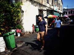 Penang Street (-Faisal Aljunied - !!) Tags: faisalaljunied penang streetphotography malaysia chendol light shadows ricoh gr2