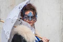 sotto l'ombrello (anna barbi) Tags: maschera venezia ombrello sguardo