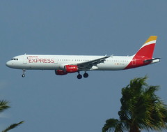 EC-JLI on final approach for RWY 03 (Ibirdball) Tags: iberia iberiaexpress airbus a321213 ecjli lanzarotearrecife ace gcrr