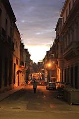 Habana Vieja (Campanero Rumbero) Tags: lahabana cuba city ciudad sunset atardecer street calle isla island caribe cielo sky nubes clouds arquitectura arquitectonico light lights luces