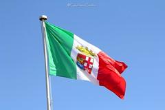 Cagliari (CarloAlessioCozzolino) Tags: cagliari sardegna sardinia italia italy bandiera flag cielo sky marinamilitare