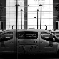 mirror (pascalcolin1) Tags: paris13 homme man miroir mirror voiture car reflets reflection photoderue streetview urbanarte noiretblanc blackandwhite photopascalcolin 50mm canon50mm canon