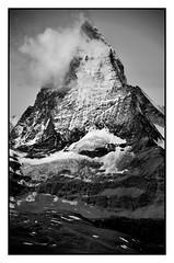 Matterhorn - Zermatt (Massimo Frasson) Tags: kodak kodakelitechromeextracolor svizzera suisse schweiz switzerland confederazionesvizzera confederazioneelvetica cantonvallese distrettodivisp zermatt ferroviadelgornergrat gornergratbahn gornergrat ghiacciaio montagna monti neve vette cielo roccia sentiero panorama landscape cervino cervin matterhorn luci ombre biancoenero bw monocromo
