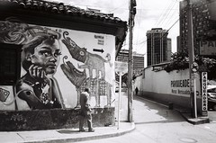 Bogotá (Eric Jan Zen) Tags: bogota graffiti macarena hombre