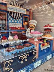 LEGO (Jean S..) Tags: cook lego boutique store pastry cake halles paris