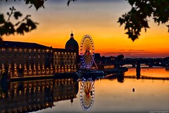 Toulouse - Sunset - Pont saint-Pierre - 3D0A3464 (jmlpyt) Tags: toulouse jardin japonais france touriste tourisme occitanie toits roof rooftop jmlpyt photographie photography blé capitole city dupuy grains halle place rose ville parc fontaine eau water scène de rue street scene wilson art deco style capital graffiti murale painting peinture lacroix tag urban church église jacobin mérimée writer toit brique prise vue intérieur basilique saintetienne architecture antiquités horizontal catholicisme image couleur lieux culte europe grand angle destination voyage photo