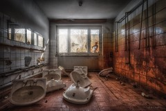 scandal - the bathing day is canceled (potosi6088m) Tags: abandoned urbex explore marode urban exploration rotten alt old deutschland germany menschenleer lost places hdr photomatix canon eos verlassen derelict verloren aufgegeben stillgelegt defunct hinterlassenschaft verfall decay unheimlich scary canon70d potosi6088m ferien holiday ferienheim home urlaub fenster window erholung recovery reise travel pionierlager pioneercamp zpl ferienlager holidaycamp freitag friday bad bath badetag bathingday scandalthebathingdayiscanceled