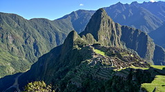 Machu Picchu, the city of superlatives (Chemose) Tags: sony ilce7m2 alpha7ii mai may pérou peru inca machupicchu landscape paysage montagne mountain cité city architecture light lumière morning matin hdr vallée rio rivière river urumba falaise cliff rocher rock andes ombre shadow