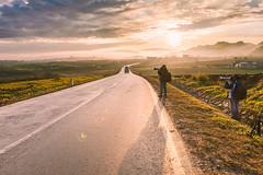 _MG_0042.0110.Thị trấn Mộc Châu.Mộc Châu.Sơn La (hoanglongphoto) Tags: asia asian vietnam northvietnam northwestvietnam northernvietnam landscape scenery vietnamlandscape vietnamscenery mocchaulandscape morning sunny sunlight sunnymorning morningsunshine sky clouds people landscapeandpeople road photogratphers photogratphersinaction canon canoneos5dmarkii tâybắc sơnla mộcchâu phongcảnh buổisáng nắng nắngsớm conđường người phongcảnhcóngười nhiếpảnhgia roadpics