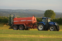 New Holland T7.230 Tractor with an Abbey 3500T Vacuum Slurry Tanker (Shane Casey CK25) Tags: new holland t7230 tractor abbey 3500t vacuum slurry tanker t7 230 cnh nh blue newholland casenewholland castlelyons traktor traktori tracteur trekker trator county cork contractor ciągnik crops crop farm farming farmer field spreading spread spring machinery machine farmmachinery agriculture agri working work irish ireland horsepower horse power hp ground