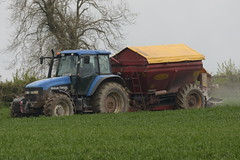 New Holland TM125 Tractor with a Bredal K65 Bulk Spreader (Shane Casey CK25) Tags: new holland tm125 tractor bredal k65 bulk spreader cnh nh blue watergrasshill newholland traktor traktori tracteur trekker trator county cork contractor ciągnik crops crop farm farming farmer field spreading spread spring machinery machine farmmachinery agriculture agri working work irish ireland horsepower horse power hp ground