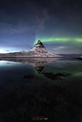 - Leuchtfeuer - (verbildert) Tags: iceland winter kirkjufell aurora borealis reflection night stars d800 nikon samyang14mm