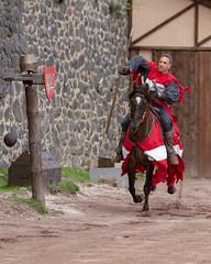 Draguinet de Lastic II (Emm@63) Tags: châteaudemurol chevalier cheval medieval moyen age joute equestre