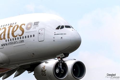 Morro del 380 A6-EDK de Emirates
