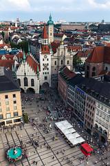 Marienplatz, Munich (cygossphotography) Tags: marienplatz münchen munich bayern bavaria bavière deutschland germany allemagne cityscape stadt city ville altesrathaus peterskirche fischerbrunnen crowd crowded canon eos 6d