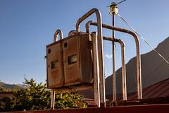 Stepanzminda, საქართველო (Georgia) (::ErWin) Tags: stepanzminda mzchetamtianeti georgien img1986 stepantsminda kazbegi სტეფანწმინდა canon 200d sigma 1750 gas gaszähler meter gasmeter rust rost