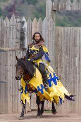 Jean de Murol (Emm@63) Tags: châteaudemurol chevalier cheval moyen age medieval joute equestre