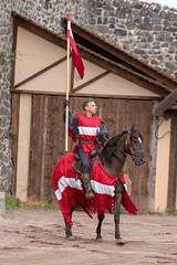 Draguinet de Lastic (Emm@63) Tags: châteaudemurol chevalier cheval medieval moyen age joute equestre