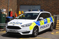HV16 OPJ (S11 AUN) Tags: hampshire constabulary police ford focus estate patrol car panda irv incident response vehicle safernieghbourhoodteam snt 999 emergency hv16opj