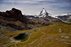 Matterhorn - Zermatt (Massimo Frasson) Tags: kodak kodakelitechromeextracolor svizzera suisse schweiz switzerland confederazionesvizzera confederazioneelvetica cantonvallese distrettodivisp zermatt ferroviadelgornergrat gornergratbahn gornergrat ghiacciaio montagna monti neve vette cielo roccia sentiero panorama landscape cervino cervin matterhorn lago