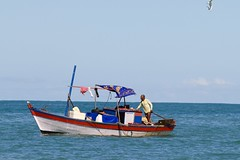 Brazilian fisherman (igorkalassa) Tags: canon pescador praia pesca fisherman fishermen praiadoouteiro trancoso bahia brazil