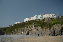 Tenby (CoasterMadMatt) Tags: dinbychypysgod2019 beach landscape coast landscapes town seaside coastal beaches towns tenby coastaltown seasidetown dinbychypysgod coastallandscape beachesinwales welshbeaches tenby2019 cliff hotel cliffs hotels tenbybeach sir pembrokeshire sirbenfro benfro uk greatbritain southwest wales europe unitedkingdom britain cymru gb southwestwales photography spring photos photographs april goodfriday nikond3200 2019 coastermadmatt coastermadmattphotography april2019 spring2019 goodfriday2019