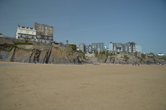 Hotels on Cliffs (CoasterMadMatt) Tags: dinbychypysgod2019 tenby2019 dinbychypysgod tenby seasidetown coastaltown seaside coast coastal town towns beach beaches welshbeaches beachesinwales tenbybeach cliff cliffs hotel hotels coastallandscape landscapes landscape sirbenfro sir benfro pembrokeshire southwestwales southwest cymru wales britain greatbritain gb unitedkingdom uk europe april2019 spring2019 april spring 2019 goodfriday2019 goodfriday coastermadmattphotography coastermadmatt photos photography photographs nikond3200