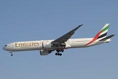 A6-ECV (LIAM J McMANUS - Manchester Airport Photostream) Tags: a6ecv emirates ek uae wwwemiratescom boeing b777 b773 773 b77w 77w boeing777 boeing777300 boeing777300er man manchester egcc