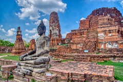 Buddha statue at Wat Mahathat in Ayutthaya, Thailand (UweBKK (α 77 on )) Tags: sony alpha 77 slt dslr buddha statue image buddhist temple religion religious wat mahathat watmahathat ruin ancient historic historical history museum stone architecture ayutthaya province thailand southeast asia