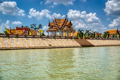 Wat Kasattrathirat Worawihan by the Chao Phraya river in Ayutthaya, Thailand (UweBKK (α 77 on )) Tags: sony alpha 77 slt dslr ayutthaya province thailand southeast asia watkasattrathiratworawihan wat kasattrathirat worawihan temple buddha buddhist religion religious chaophraya chao phraya river water flow blue sky white cloud building sala architecture