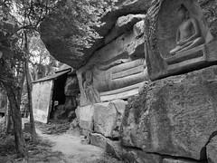 Pagode de Phnom Santuk, Kompong Thom, Cambodge, août 2019. Phnom Santuk pagoda, Kompong Thom, Cambodia, August 2019. https://en.m.wikipedia.org/wiki/Phnom_Santuk (vdareau) Tags: photographienoiretblanc blackandwhitephotography bouddha buddha phnomsantouk kompongthom cambodge cambodia southeastasia asiedusudest asie asia