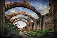 (224/19) Ruinas de Sante Mariña (Pablo Arias) Tags: pabloarias photoshop nx2 cielo nubes arquitectura paisaje ruinas iglesia tumbas santamariña cambados pontevedra galicia
