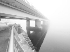 M2252602 E-M1ii 7mm iso200 f2.8 1_200s 1 (Mel Stephens) Tags: 20190825 201908 2019 q3 4x3 wide olympus mzuiko mft microfourthirds m43 714mm pro omd em1ii ii mirrorless gps grayscale uk scotland dundee tayside fog haar weather bw black white water river tay road bridge structure best