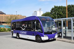 127 Solo (37TheBat) Tags: courtney optare solo 127 yj13hjy bracknell reading