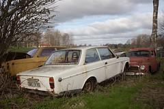 142 (mariburg) Tags: rotten marode ruin decay desolate cars rustycars auto canoneos6d sigma35mm14dghsmart volvo volvo142