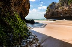Beach at Uluwatu (Borja Llanos) Tags: uluwatu bali indonesia beach longexposure stacking photostacking landscape landscapephotography travel travelphotography ocean bluesky