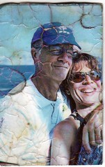 trouvCouple1 (hyakoukoune) Tags: 2019 fontenaysousbois fontenay couple photo holidays vacances casquette lunettesdesoleil sunglasses smile happy heureux breakingbad