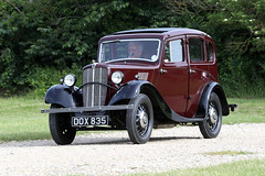 Morris 8 Series II (1938) (Roger Wasley) Tags: morris dox835 1938 classic car vehicle toddington gloucestershire 8 eight sedan maroon