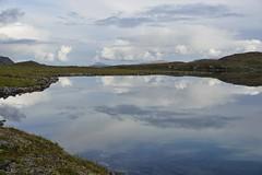 Gurrajavre, between Vaimok and Tarrekaise (maddeaboutthewild) Tags: lapland lappland laponia padjelanta badjelannda badjelanda fjäll mountain gurravagge kurrajaure gurrajavrre gurrajavre fjällsjö mountainlake lake sjö reflection spegling