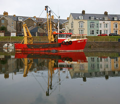 Joanna (AB177) at Y Geulan, Aberystwyth, Ceredigion, West Wales. (Minoltakid) Tags: aberystwyth aber aberystwythharbour ygeulan ceredigion wales welshseaside welshheritage westwales welsh towninwales historic harbour reflections red boats boat fishingboat fishingboats wideangle day outdoors outside uk unitedkingdom gb geotagged greatbritain buildings town townscape thewelshseaside theseaside theminoltakid minoltakid rossdevans rossevans ross