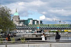 Dublin: River Liffey (zug55) Tags: dublin ireland éire republicofireland riverliffey river liffey train iarnródéireann irishrail