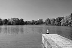 Lyon. Parc de la Tête d'Or. (Alessandro Zanini) Tags: landscape bw alone parc lake water lyon