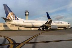 N77296 UNITED 737-824SW at KCLE (GeorgeM757) Tags: united 737824sw 737 spiltscimitarwinglets aircraft aviation airplane airport boeing kcle clevelandhopkins georgem757 canons100